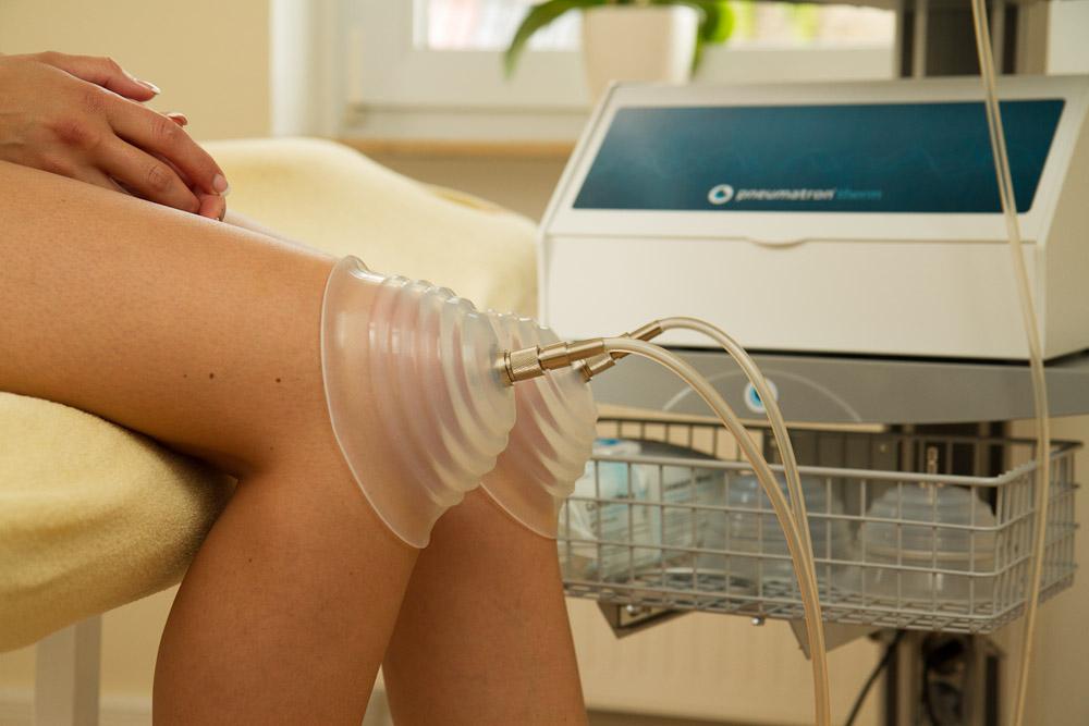Pneumatische Pulsationstherapie am Knie